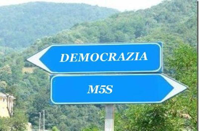 images/galleries/Democrazia-M5s.jpg