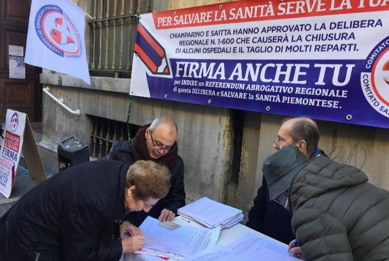 images/galleries/Firma-referendum-sanita-ospedali.jpg