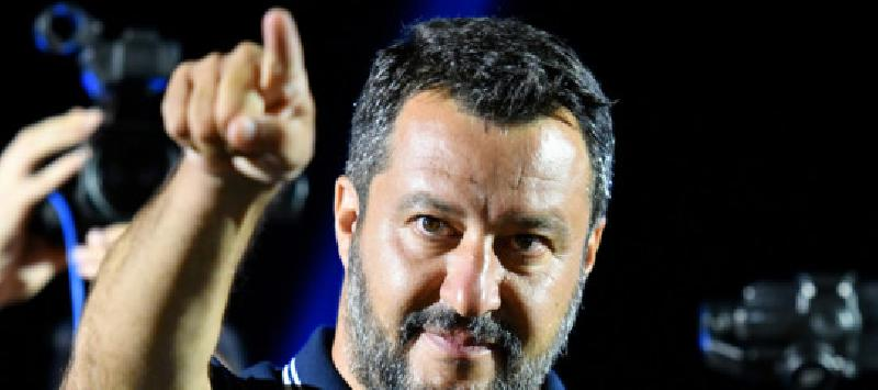 images/galleries/Salvini-dito.jpg