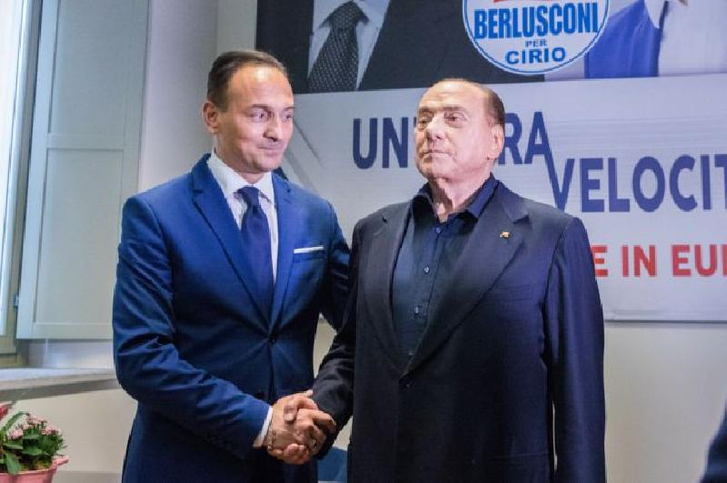 images/galleries/cirio-berlusconi-88hj45.jpg