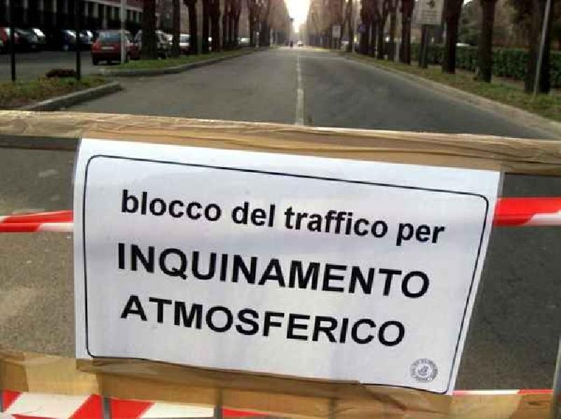 images/galleries/inquinamento-blocco-auto.jpg