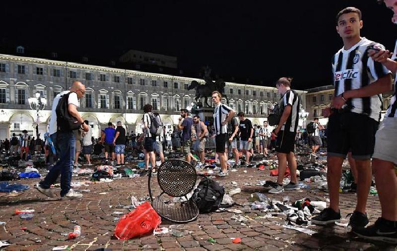 Torino Piazza San Carlo, commissione vs Appendino: