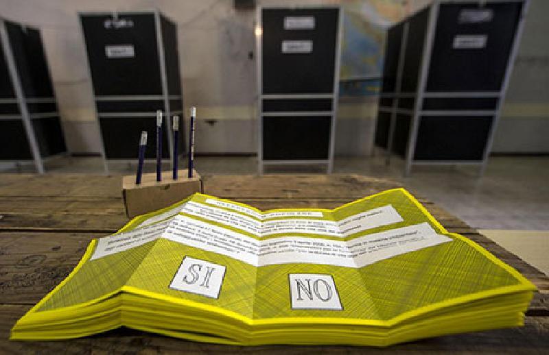 Referendum, Renzi game over, lo abbandona pure il Pd (e Bersani)