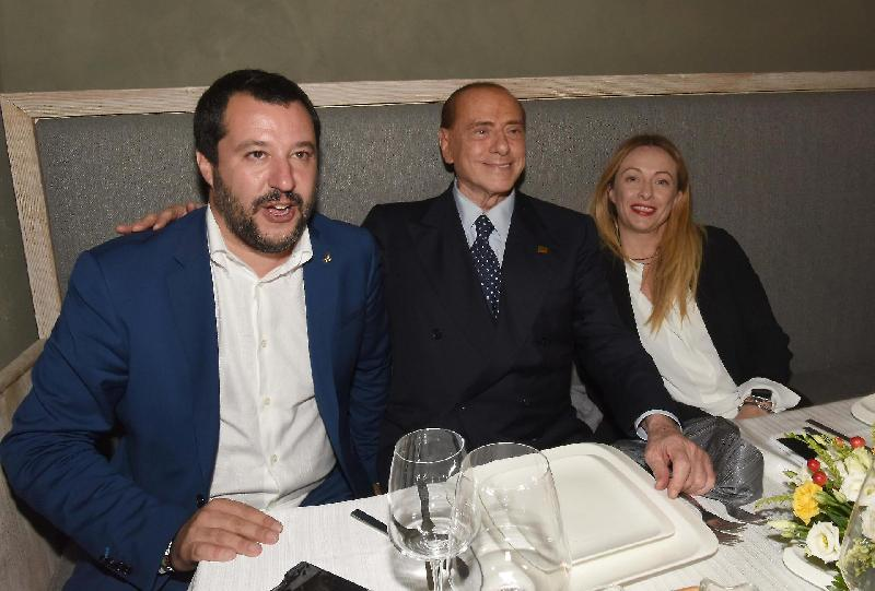 images/galleries/salvini-berlusconi-meloni-tavolo-54677.jpg