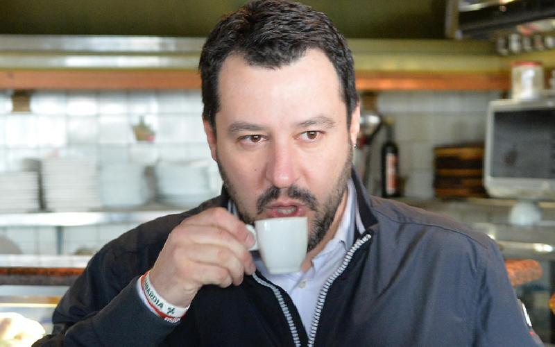 images/galleries/salvini-caffè-03.jpg