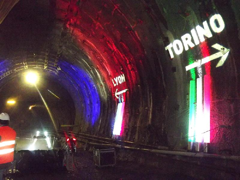 images/galleries/tav-tunnel-0003.jpg